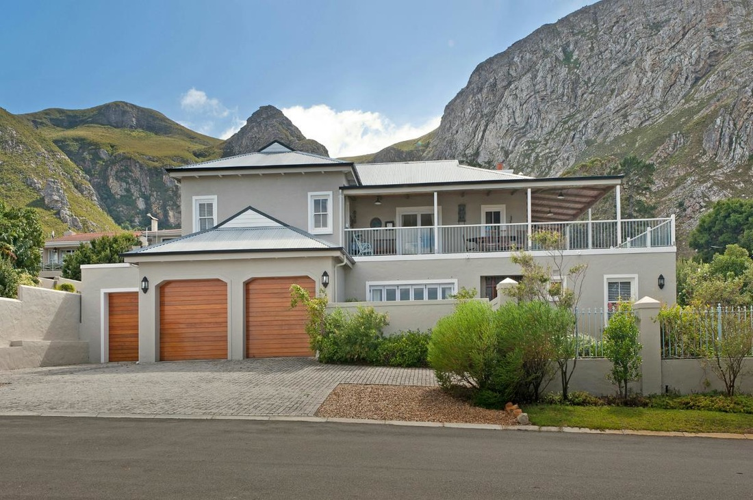 South africa housing market real estate hermanus and for Best houses in south africa pictures